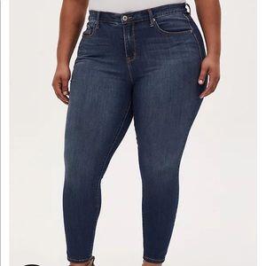 Torrid Sky High Skinny Jeans in Medium Wash